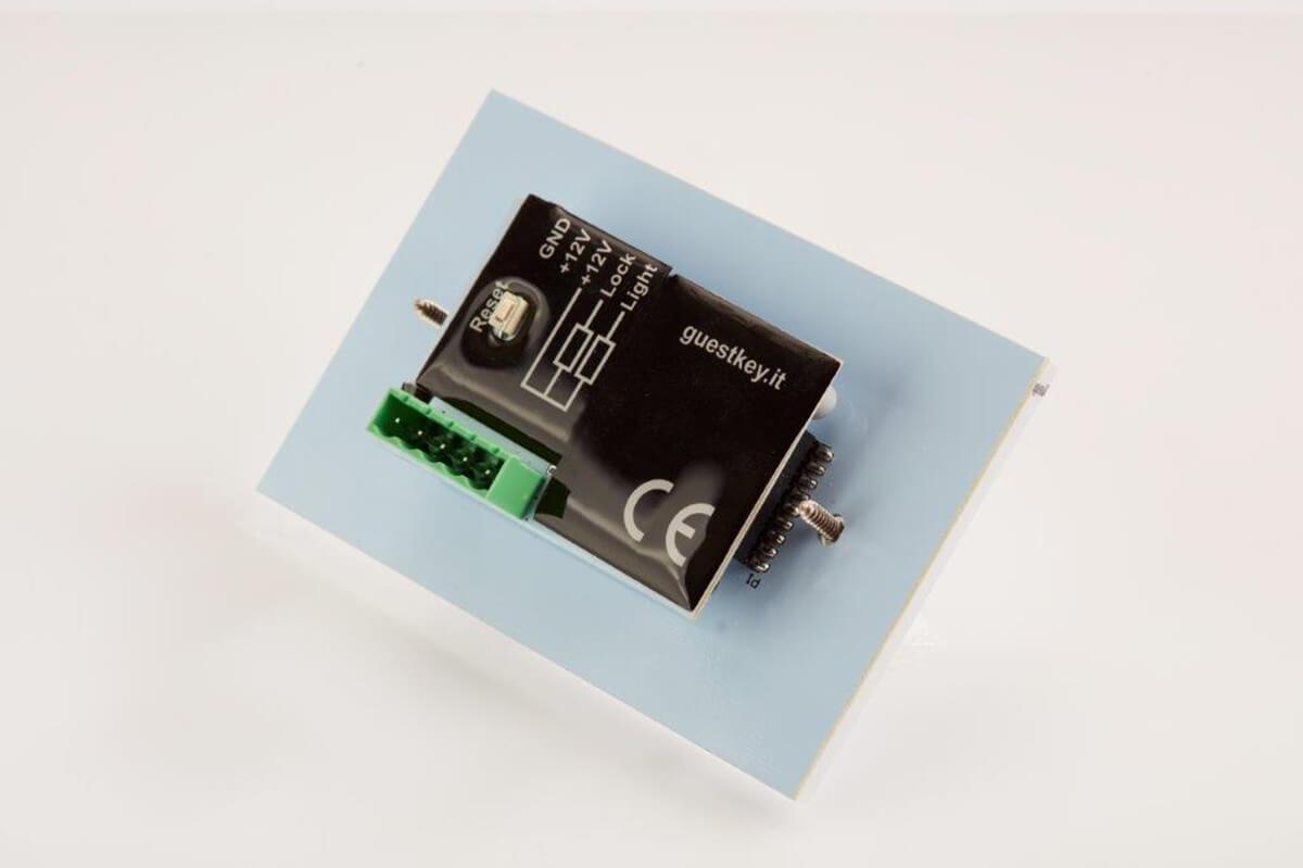 tastiera elettronica a codici lato posteriore