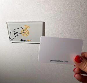 GuestCard con Badge